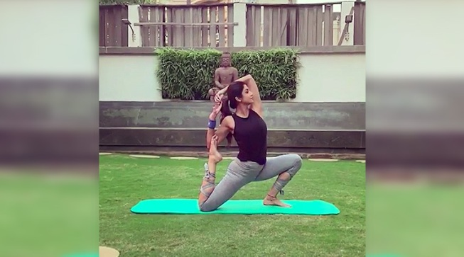 Shilpa Shetty performing this asana is all the Monday motivation you'll need